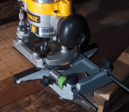 Dewalt 〈DWP611〉+〈Festool:Parallel side fence〉
