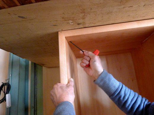 天板×側板 結合部位(Lamello クラメックスの締め付け作業