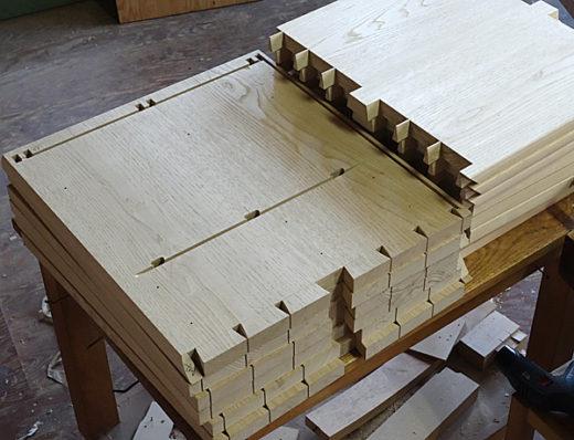 側板と甲板:仕切り板(大入れとDomino枘部分)