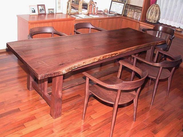 ブラックウォールナットのビックテーブル(2,300w 10,00d 710h)
